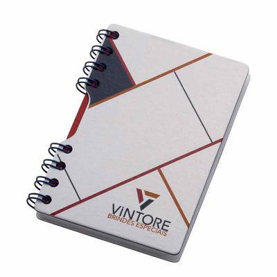 Vintore Brindes Especiais - Bloco - formato 100 x 145 mm Capa e contra capa em cartão revestido com papeis especiais Miolo: 95 x 140 mm 100 folhas papel off-set 70g  Acabamento e...