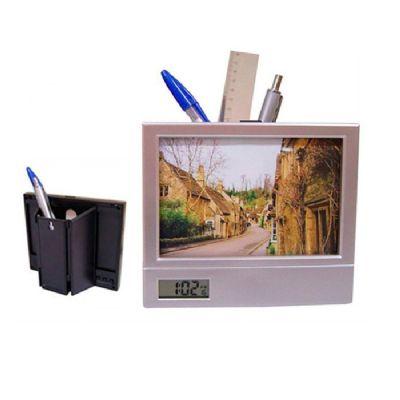 Brintec Brindes Promocionais - Porta retrato com porta caneta e relógio digital.