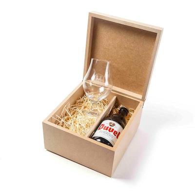 Amélio Presentes - Kit com cervejas, taça personalizada e aperitivo