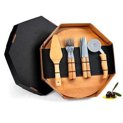 Conjunto para Pizza em Bambu/Aço Inox. Acompanha tábua e espátula em Bambu; quatro facas de mesa, quatro garfos de mesa e cortador de Pizza em Bambu/I...
