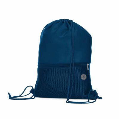 MSN Brindes - Mochila saco confeccionada em poliéster. Possui compartimento principal superior, bolso frontal de malha com zíper e saída para fone de ouvido. Altura...