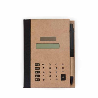 cross-brindes - Bloco de anotações ecológico com capa calculadora solar de 8 dígitos acoplada. Possui quatro blocos autoadesivos com aproximadamente 25 folhas cada, b...