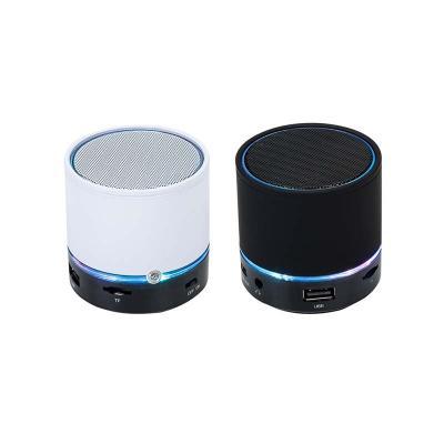 Cross Brindes - Descrição: caixa de som redonda de metal com Led e com bluetooth, bateria recarregável, entrada USB e micro SD, rádio fm e luz. Na cor preta Medida To...