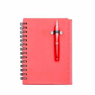 Cross Brindes - Bloco de anotações plástico com autoadesivos, mini caneta e régua de 12cm na lateral. Possui espiral preto, suporte elástico na capa para mini caneta(...