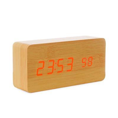 Cross Brindes - Relógio de Madeira Personalizado com Display LED