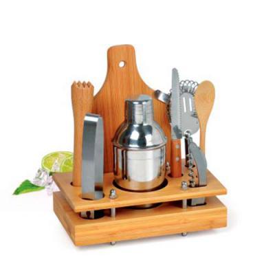 Cross Brindes - Conjunto para bar e caipirinha em Inox/Bambu. Conjunto composto por oito acessórios para bar e caipirinha, sendo uma coqueteleira em aço inox escovado...