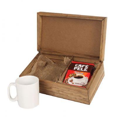 Design Promo - Kit café em caixa de madeira envelhecida com 1 caneca de porcelana de 120 ml com 5 sachês de café solúvel, café Pelé com gravação na caneca e na tampa...