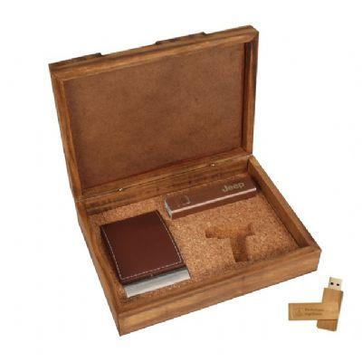 Design Promo - Kit em caixa de madeira envelhecida com power bank, pen drive de madeira de 8gb e porta cartão de metal com acabamento em couro sintético com gravação...