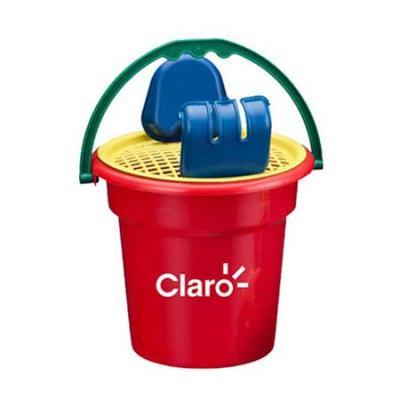 Brindes Drica - Um mini balde com uma escavadeira, uma pá, uma peneira e uma estrelinha para a criançada brincar e se divertir na areia da praia ou no parque.  Especi...