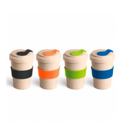 Splash7 Brindes - Copo para viagem. Fibra de bambu e PP. Com banda de silicone e tampa. Capacidade até 500 ml. Food grade. ø95 x 140 mm