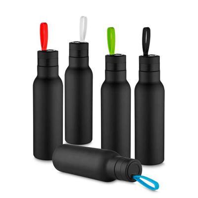 Splash7 Brindes - Garrafa térmica inox 500ml com pintura preto fosco e alça colorida. Tampa rosqueável e parte inferior com borracha antideslizante.  Medidas aproximada...