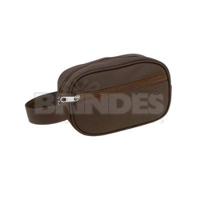 Shopping Brindes - Necessaire em couro sintético com bolso frontal