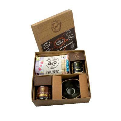 Amigos do Bem - Kit cerâmicas contém:  • 1 Ecobag de Patchwork *  • 1 Castanha de Caju Premium 140g • 1 Castanha Caramelizada 120g  • 1 Bowl de Cerâmica  Toda a renda...