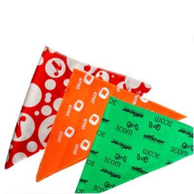 Fit Camisetas - Bandana - Triangular com medida de 50x50x70 cm, confeccionada em Algodão ou Poliéster. Várias Cores. Personalização em Silk, Transfer ou Sublimação.