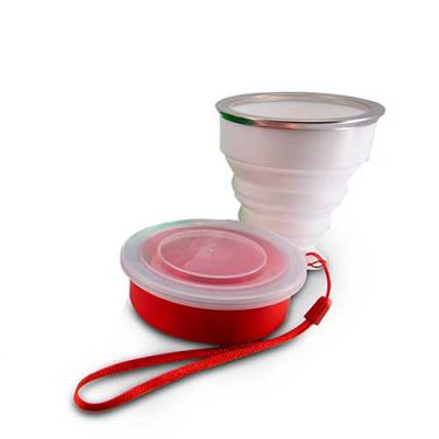 YepUp Presentes Criativos - Copo 200ml de silicone retrátil com borda inox, contém tampa de encaixe em pvc com cordão de nylon. Item personalizável.