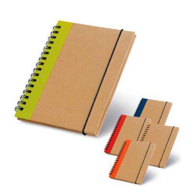 J.E Brindes - Caderno capa dura. Cartão. Com 60 folhas não pautadas de papel reciclado. 105 x 145 mm