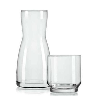 gj-brindes - Um presente mais que especial, a moringa de vidro 500ml tem a capacidade ideal para armazenar água. Acompanha copo.  Pode ser personalizada com sua lo...