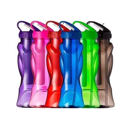 Spaceluz Brindes - Squeeze plástico 700 ml icebar. Possui tampa rosqueável com detalhes em relevo, bico plástico com canudo interno e barra congelante (para uso basta en...