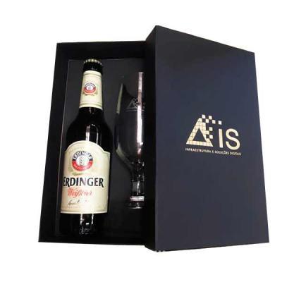 Spaceluz Brindes - Kit cerveja Erdinger com taça e caixa rígida