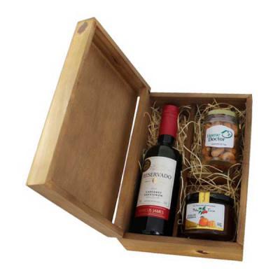 Kit Vinho Personalizado em caixa de madeira com vinho Santa Carolina, gelei...