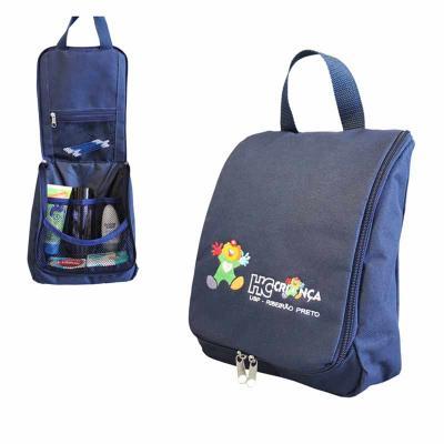 Super Bag Artigos Promocionais - Necessaire de Viagem produzido em nylon  600 com alça superior em ef79eb1900dfc
