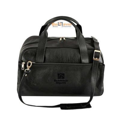 Bellaver Bolsas Promocionais - Bolsa de Viagem personalizada com alça de mão em e alça de ombro.