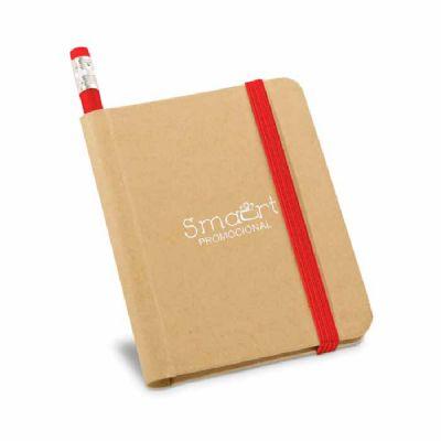 Smart Promocional - Caderno. Cartão. Capa dura. Com 70 folhas não pautadas de papel reciclado. Incluso lápis. 82 x 105 mm
