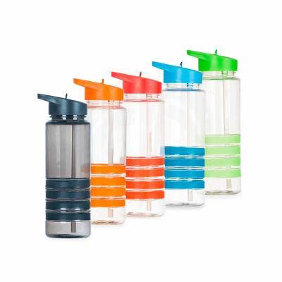Color Plus Brindes - Squeeze plástico 700 ml, com bico de canudo. Squeeze transparente com 4 linhas inferiores emborrachadas coloridas; tampa rosqueável colorida com uma e...
