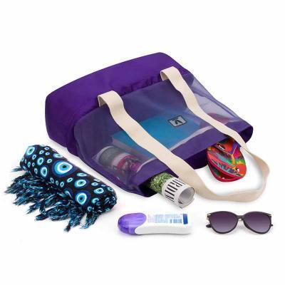 Black Bunny - Bolsa de praia térmica 2 em 1 Black Bunny. Perfeita para levar a praia, piscina ou piquenique. Super prática, nas alças você acomoda a toalha ou tapet...