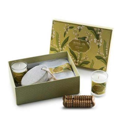 Blimp Brindes - Kit aromatizante com 5 peças em estojo de papelão com tampa. Possui: pedra pome, tolha, massageador de madeira e dois ccopos pequenos com velas perfum...