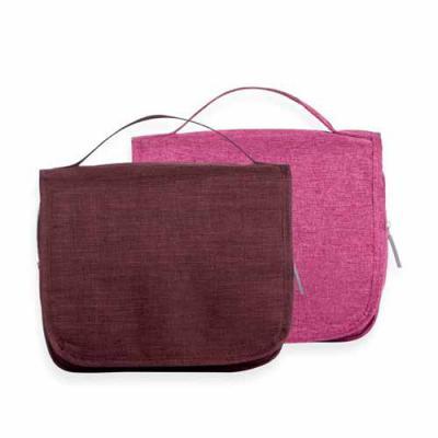 Blimp Brindes - Necessaire organizadora em tecido nylon Oxford, abertura frontal por velcro e alça superior, parte interna com gancho plástico; bolso interno superior...