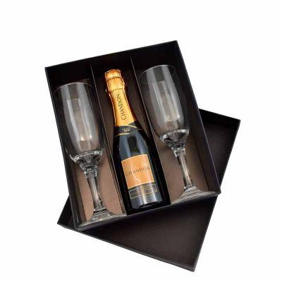 Pesquisa Brindes - Kit com Chandon e 2 taças em vidro