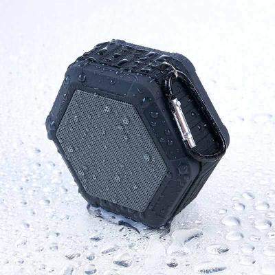 FCFIT BOLSAS - Caixinha de som multifunções à prova d'água. Material plástico, possui tela de proteção do falante na cor cinza, pode ser submerso na água devido sua...
