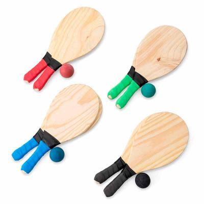 Soma Brindes - Kit frescobol com embalagem de malha plástica. Contém 2 raquetes de madeira com pegador de revestimento EVA e bolinha emborrachada com certificação do...