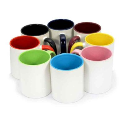 SOMA Brindes - Caneca de cerâmica 350ml branca com pegador e parte interna colorida.