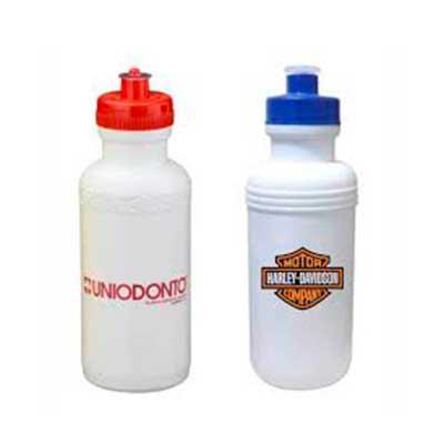 QI Brindes - Squeeze 500ml de plástico resistente, possui detalhe em relevo na parte superior e tampa de bico(plástico) rosqueável.