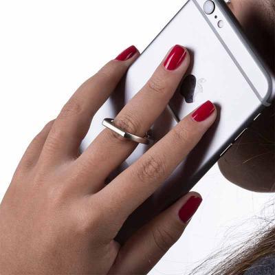 QI Brindes - Suporte plástico para celular com alça giratória, parte traseira com adesivo. Para utilizar basta tirar o lacre e colar a peça na parte traseira do ce...