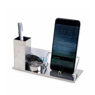 QI Brindes - Kit escritório 4 em 1. Material inox espelhado, suporte para cartões, canetas, clips e celular.  Medidas aproximadas para gravação (CxD):  2 cm x 10 c...