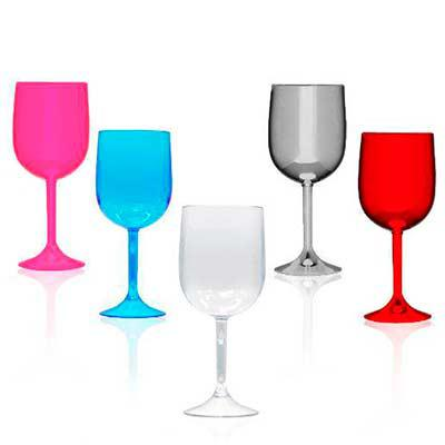 qi-brindes - Taça de vinho acrílica, capacidade 570 ml Altura 17,8cm  Diâmetro 7cm