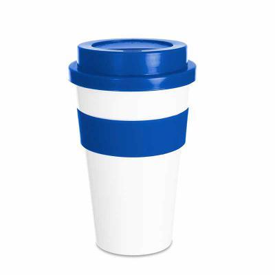 Tiff Gráfica - Copo plástico 480ml com tampa. Produzido em polipropileno e livre de BPA, o copo possui uma luva de silicone (removível) que impede a transferência de...