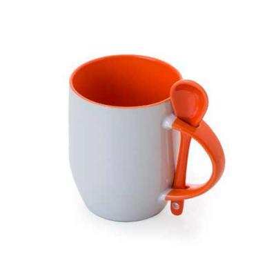Tiff Gráfica - Caneca de cerâmica 350 ml acompanha colher. Caneca branca com parte interna colorida, cabo colorido com detalhe vazado na parte superior, para encaixa...