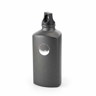 Tiff Brindes - Squeeze em Alumínio Triangular Personalizado com tampa em PP de rosquear. Capacidade: 600 ml. Personalização em Silkscreen.