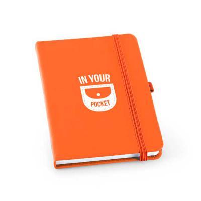 Zoom Brinde - Caderno capa dura personalizado em couro sintético com porta esferográfica e 80 folhas não pautadas Medida: 9 x 14 cm | Medida: 14 x 21 cm  Excelente...