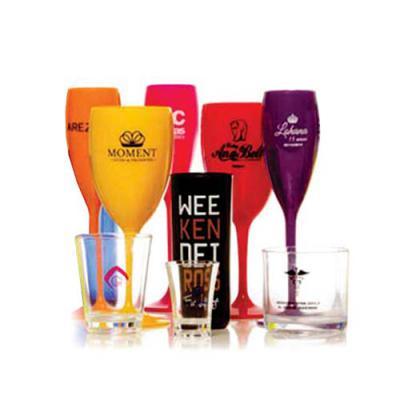 Zoom Brinde - Lindos produtos acrílicos para personalizar com a marca da sua empresa/festa ou evento. Trabalhamos com taça, copo, caneca, copo shot e drink .  Peça...