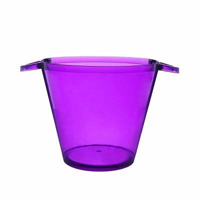 O balde de gelo personalizado é uma ótima opção para servir na temperatura...