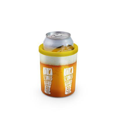 Beek Geek's Stuff - O Porta Latas conserva sua bebida gelada por mais tempo, este modelo serve para lata de 350ml.  Possui dupla camada de plástico e isomanta interna que...