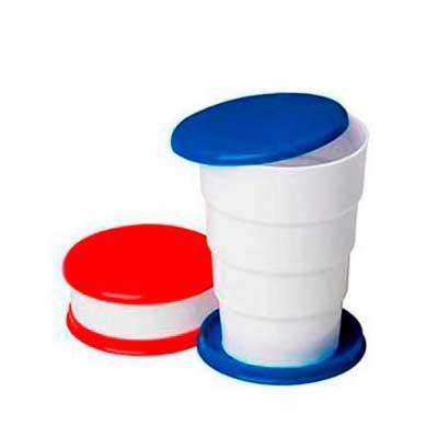 """Leo Brindes Personalizados - Copo Retrátil  de plástico com tampa porta comprimido e base colorida. Basta puxar para cima para """"armar"""" o copo, possui """"suporte"""" para chaveiro. Na á..."""