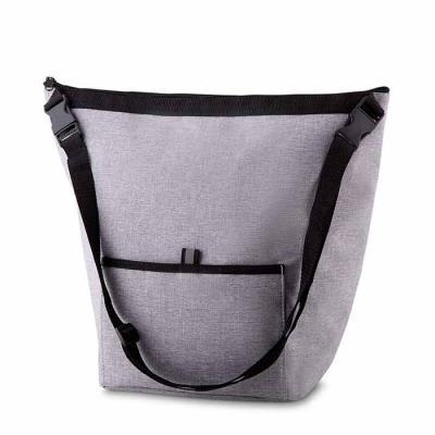 Labor Brindes - Bolsa Térmica. Capacidade 10 litros Bolso frontal. Alça de ombro regulável. Tecido nylon e e poliéster. Gravação no bolso frontal. Dimensão do Produto...