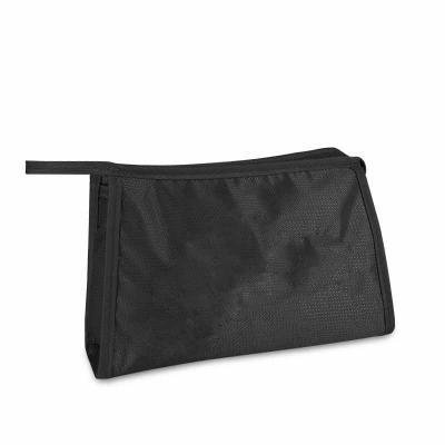 EV Brindes - Tamanho: 20 x 16 x 6 cm Materiais disponíveis: Nylon 70, Nylon 600 e Oxford Sublimável  Nossos produtos são 100% personalizáveis, o que permite que su...