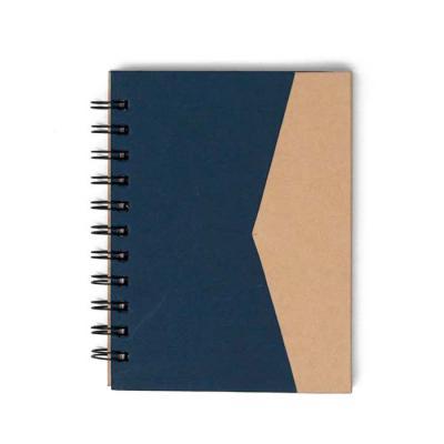 P&J Brindes - Bloco de anotações ecológico com autoadesivos e suporte para caneta. Bloco de capa colorida com abertura lateral imantada, primeira folha com cinco bl...